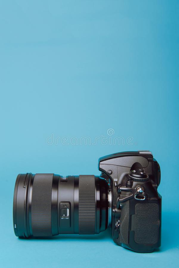 Professionelle moderne DSLR-Kamera stockfoto