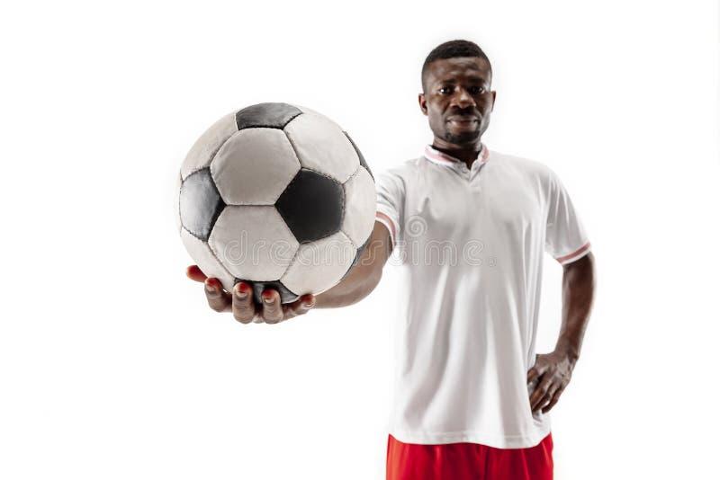 Professioneller afrikanischer Fußballfußballspieler lokalisiert auf weißem Hintergrund lizenzfreie stockbilder