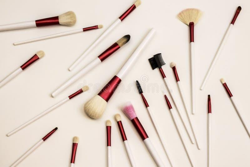 Professionelluppsättning av borstar för modern makeup royaltyfri fotografi