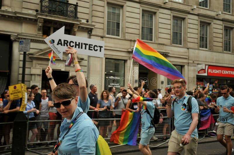 Professionista dell'architetto al gay pride di Londra a Londra, Inghilterra 2019 immagini stock