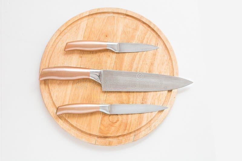 Proffessional在切口桌上的厨师刀子 库存照片
