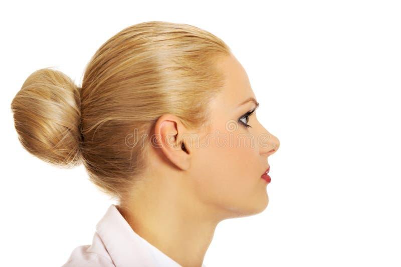 Profil de jeune femme blonde d'affaires photographie stock