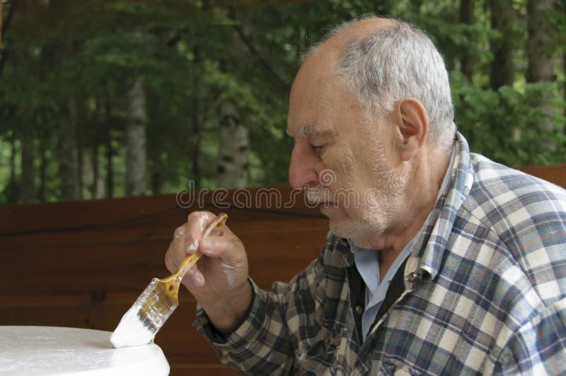 Profil de la peinture âgée d'homme supérieur photo libre de droits