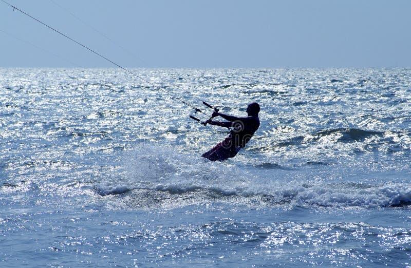 Profil de surfer de cerf-volant photo stock