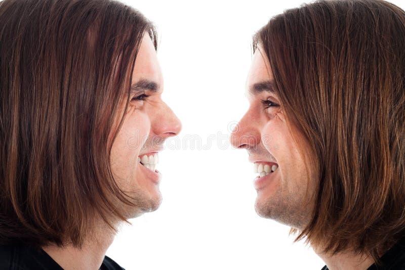 Profil des glücklichen Manngesichtslachens stockbild