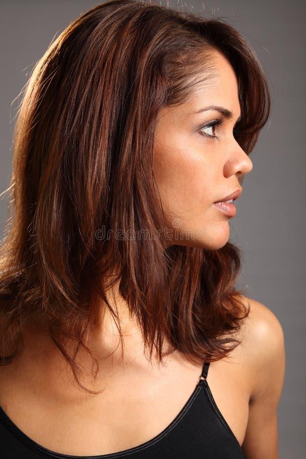 Profil headshot der schönen jungen ethnischen Frau stockfotografie