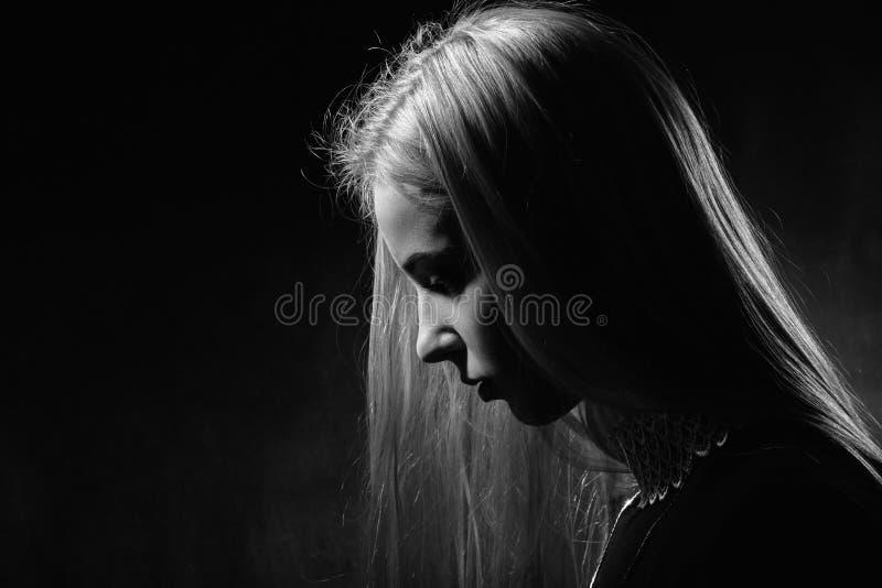 Profil Triste De Fille Photo Stock Image Du Profil Fille 73575428
