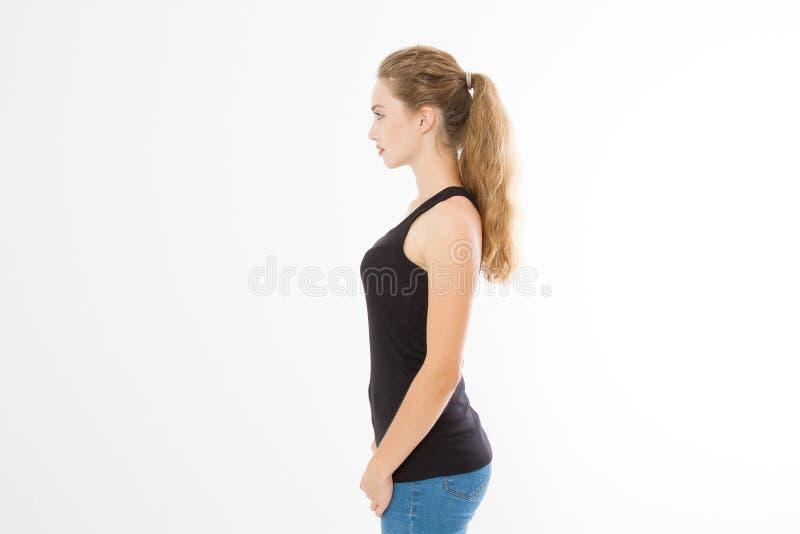 Profili il ritratto della ragazza caucasica bionda con capelli femminili diritti lunghi e brillanti isolati su fondo bianco Bella immagini stock