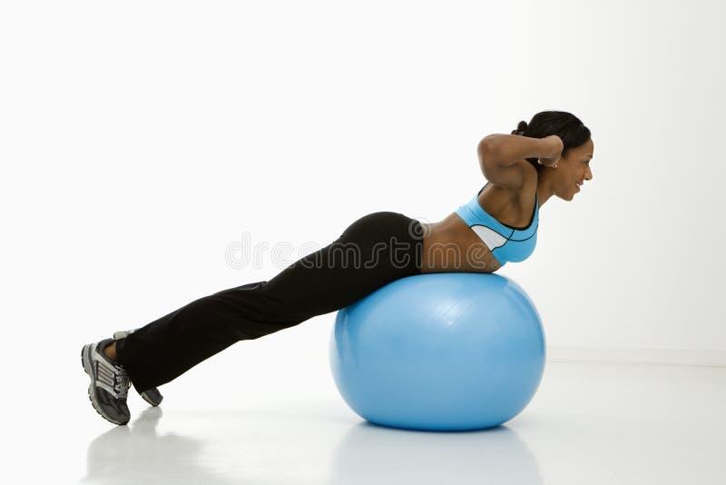 Profilo di esercitazione della donna. immagini stock libere da diritti