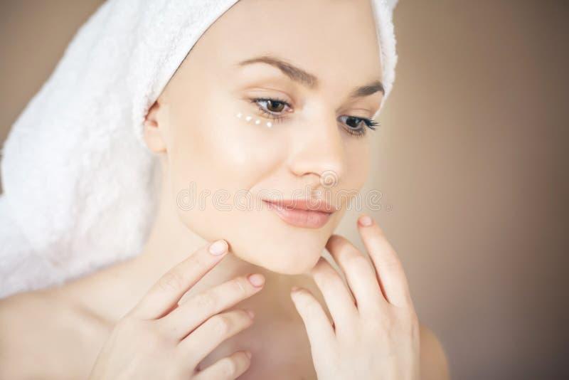 Profilowa piękno twarz obrazy stock