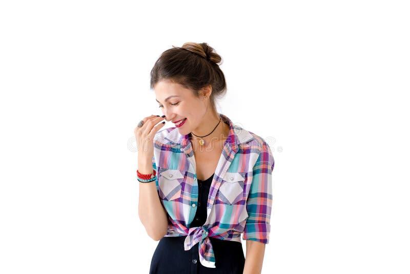 Profilowy portret chichocze piękna dziewczyna zdjęcia stock