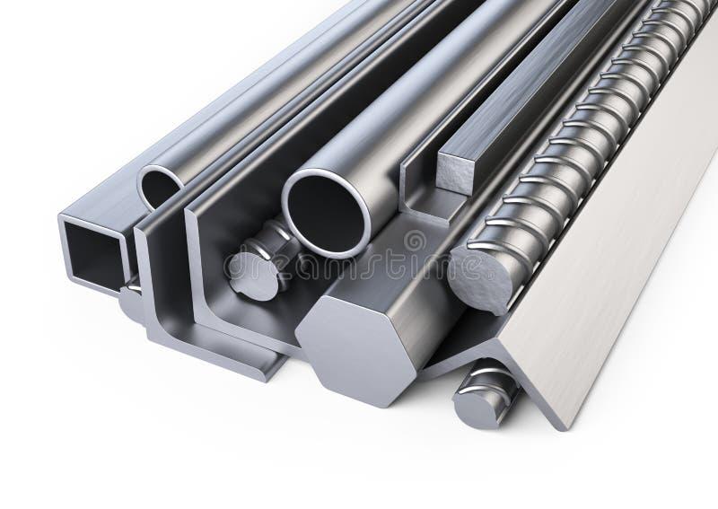 Profils en acier et tas de tuyaux Entrepôt pour le materi de construction photos libres de droits