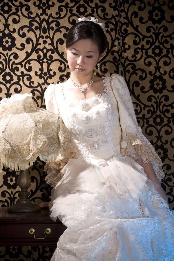 Download In Profondità Nella Signora Asiatica 1 Di Pensieri Fotografia Stock - Immagine di nightgown, cinese: 7311954