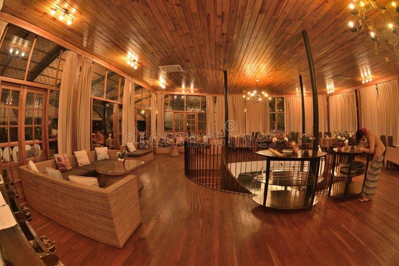 Progettazione accogliente interna del ristorante di stile del Myanmar fotografia stock libera da diritti