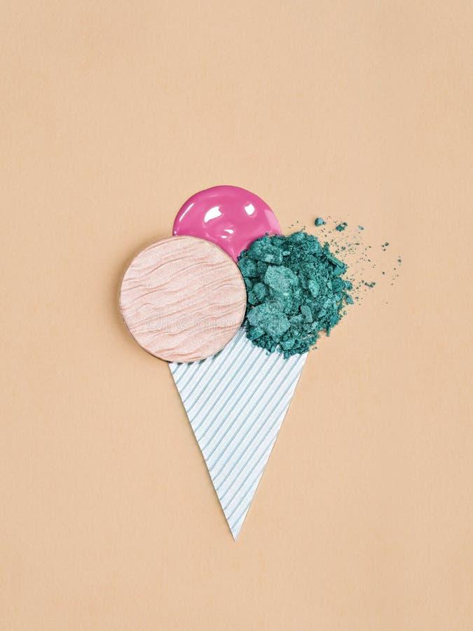 Progettazione alla moda del gelato con i cosmetici fotografie stock