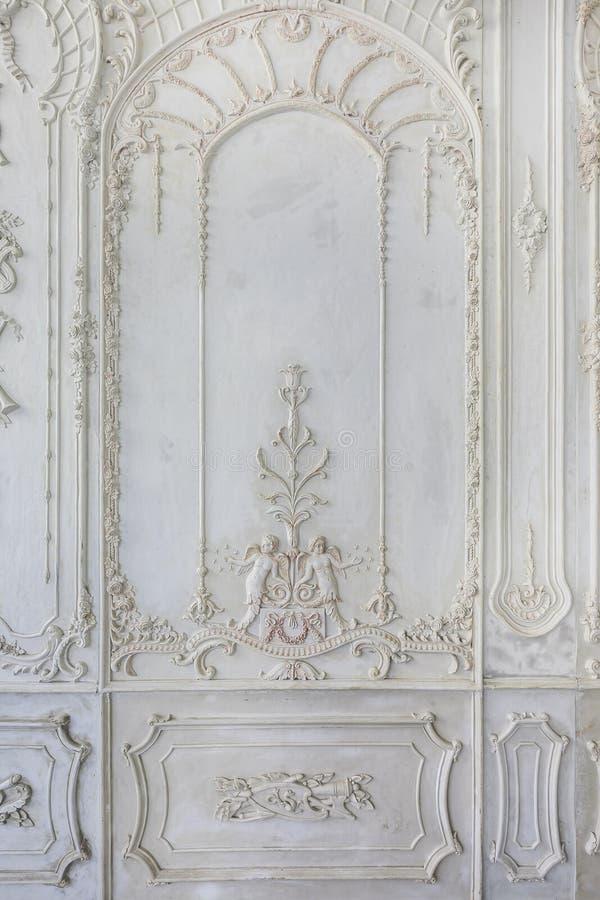 Progettazione astratta del modello sul fondo di legno della parete fotografia stock