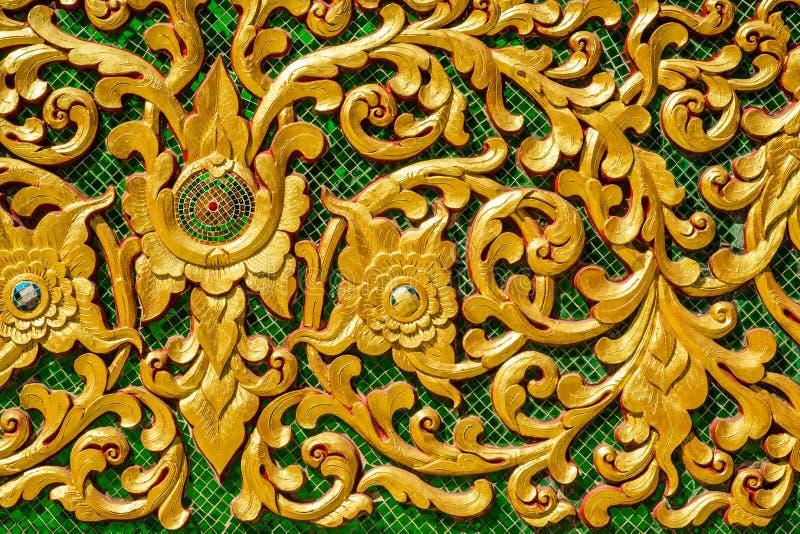 Progettazione dello stucco sulla parete del tempio immagini stock libere da diritti