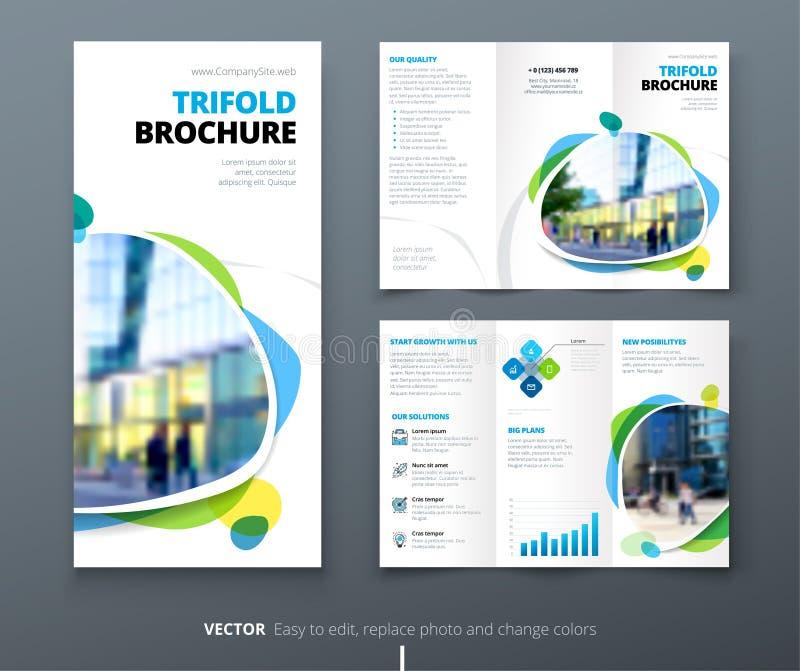 Progettazione ripiegabile dell'opuscolo di affari Modello di affari corporativi di verde blu per l'aletta di filatoio ripiegabile royalty illustrazione gratis