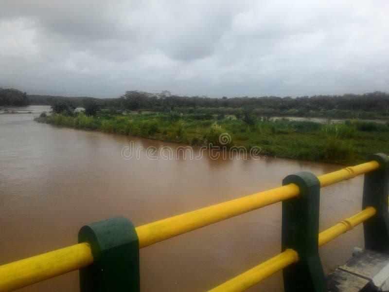 Progo-Flussbrücke lizenzfreie stockfotos