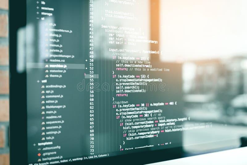 Programa de la tecnología del código de la web del desarrollo del código que programa la escritura de la pantalla del HTML foto de archivo libre de regalías