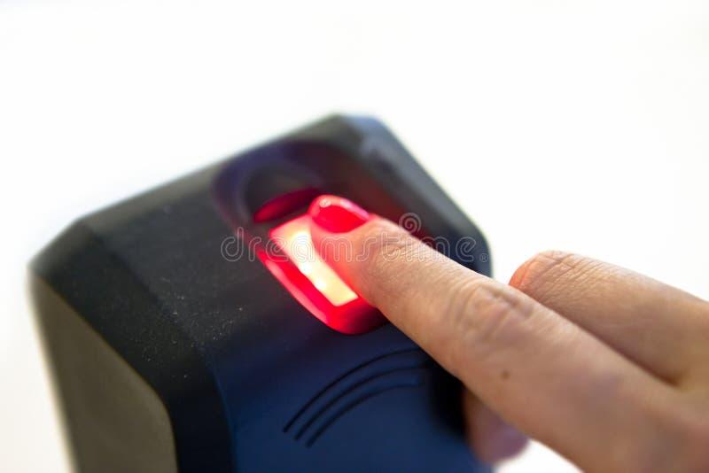 Programa de lectura de huella digital biométrico foto de archivo libre de regalías