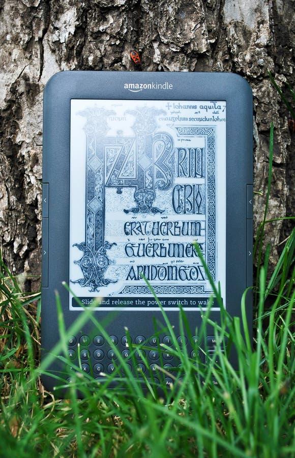 Programa de lectura del libro de Digitaces foto de archivo