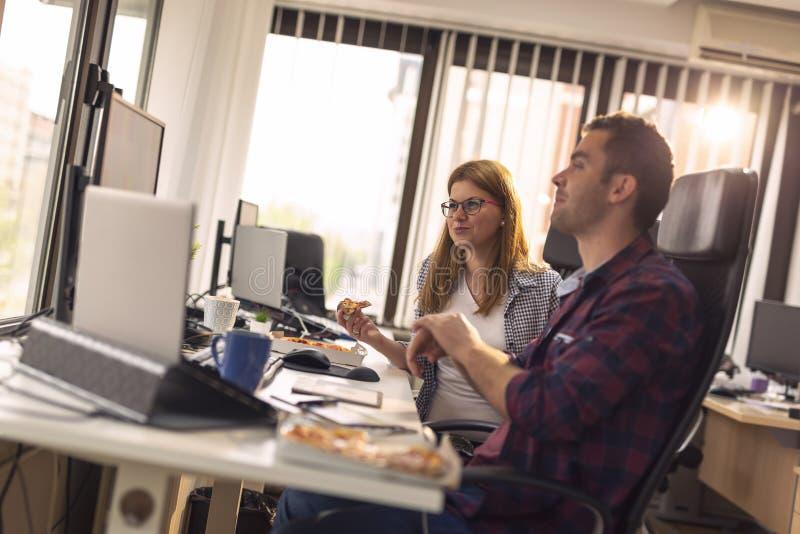 Programadores de software em uma ruptura fotografia de stock