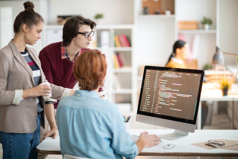 Programadores novos imagens de stock