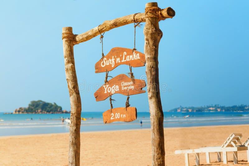 Programma bij de toevlucht, het surfen, yogaklassen op Sri Lanka royalty-vrije stock foto's