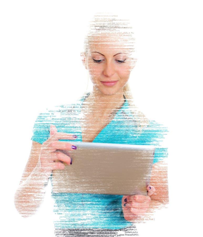 Programmatore femminile con il pc della compressa immagine stock libera da diritti
