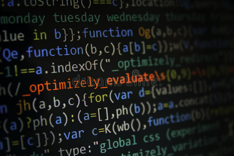 Programmiercodeschirm des Softwareentwicklers Computer stockfotos