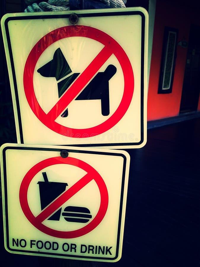 Prohibicja podpisuje wewnątrz restaurację obraz stock
