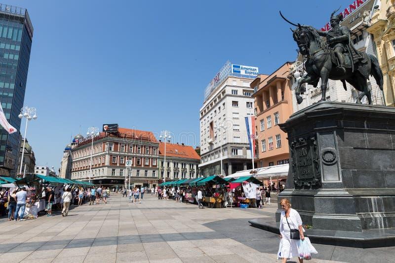 Proiba o monumento de Jelacic no quadrado de cidade central (bana Jelacica de Trg) fotos de stock royalty free