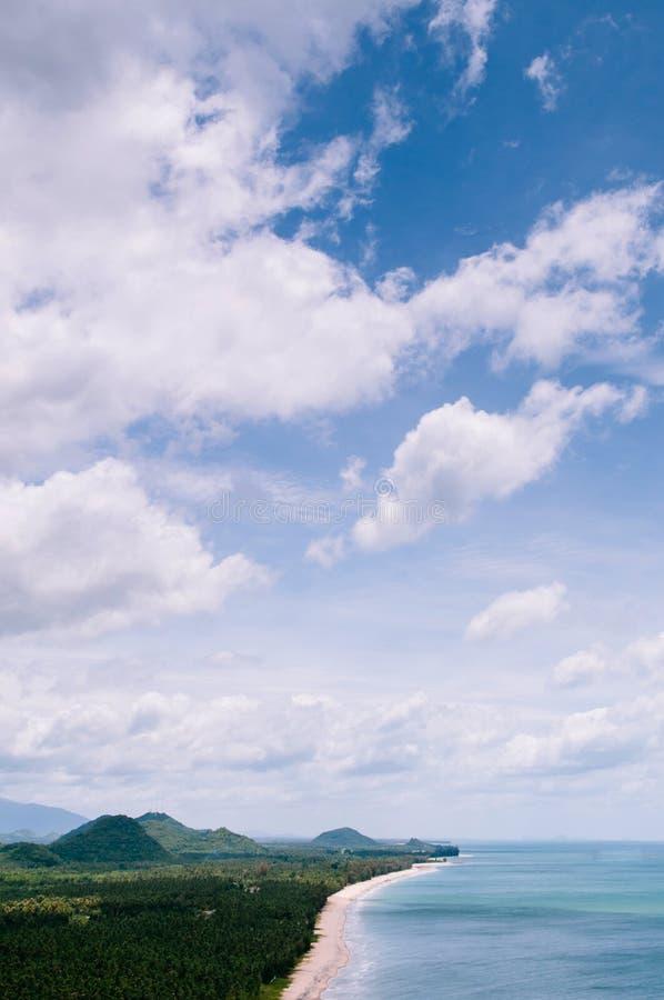 Proiba a praia da opinião de ângulo alto, Prachuap Khiri Khan de Krut, Thaila foto de stock royalty free