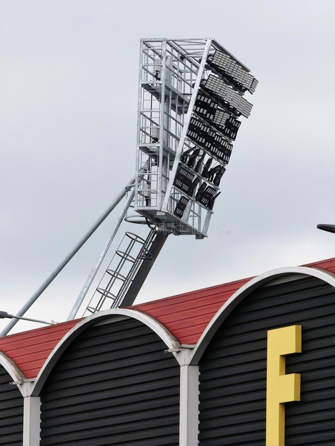 Proiettori sopra lo stadio della strada della casa del vicario, Watford immagini stock
