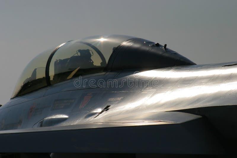 Projectile Artistique De F-16 De Faucon De Combat Photographie stock