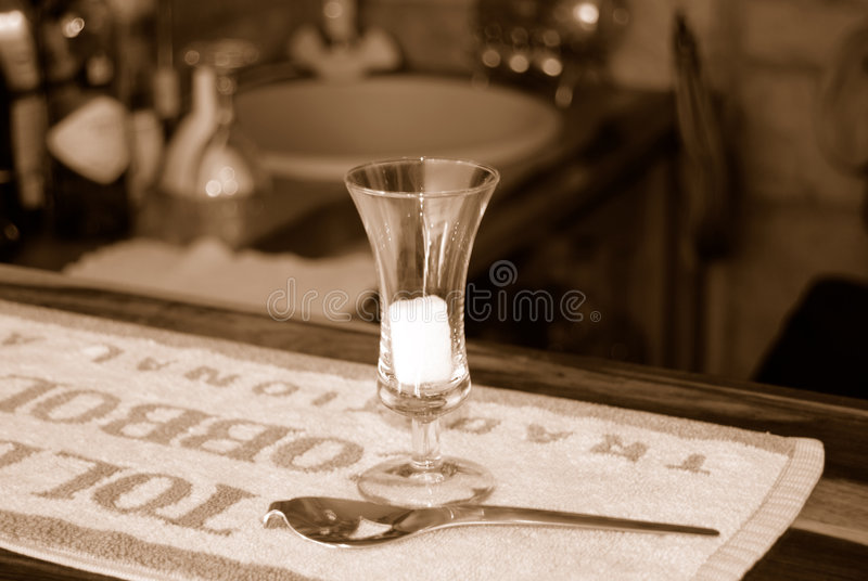 Projectile d'absinthe photo stock