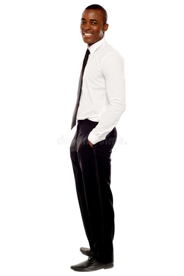 Projectile intégral d'homme d'affaires posant dans le type photographie stock libre de droits