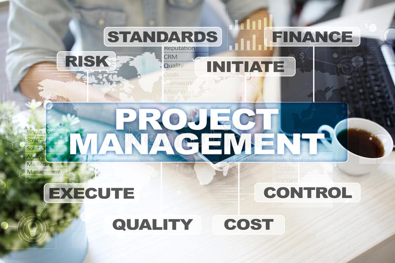 Projectleiding op het virtuele scherm Bedrijfs concept stock afbeeldingen