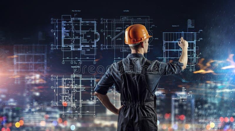 Projekt för byggmästaremanattraktion arkivfoton