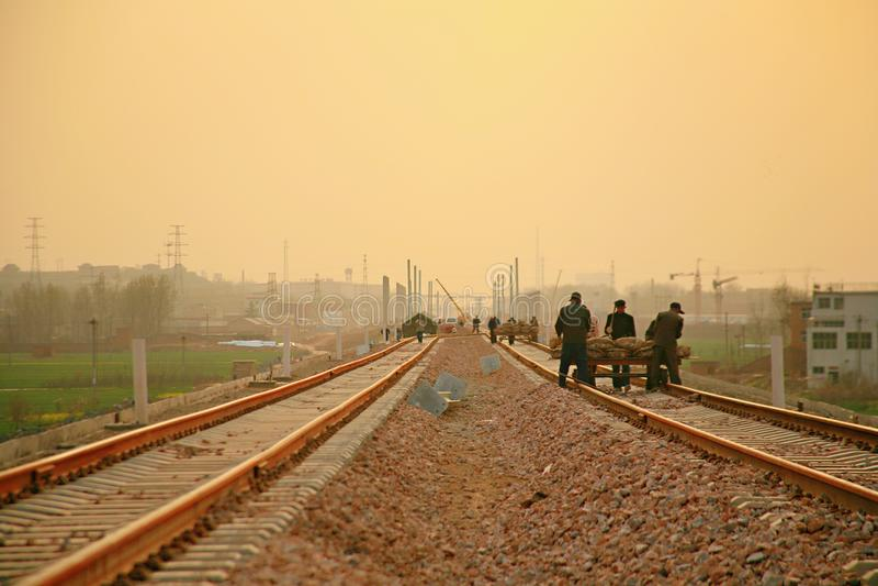Projekt för Luoyang LongMen järnvägsstationkonstruktion i Zhengxi hög hastighetsjärnväg royaltyfri bild