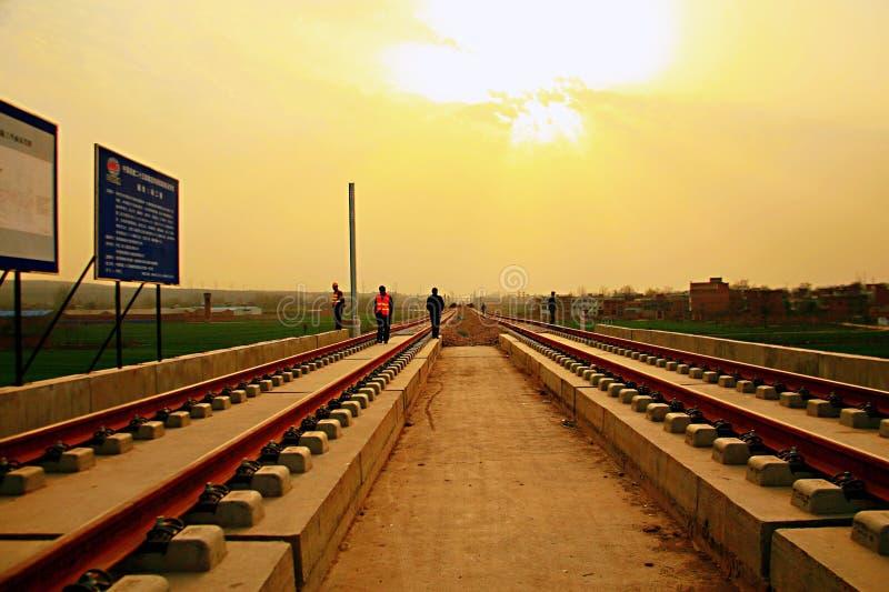 Projekt för Luoyang LongMen järnvägsstationkonstruktion i Zhengxi hög hastighetsjärnväg arkivfoto
