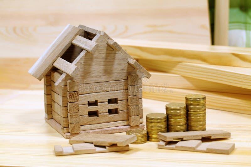 Projekta wygodny dom Pieniądze dla szczegółów ne i budynku obrazy royalty free
