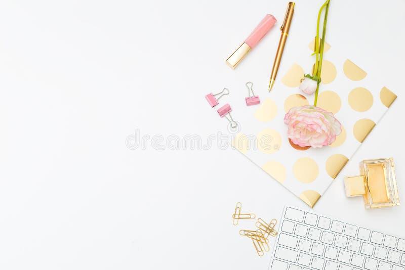 PROJEKTUJĄCA AKCYJNA fotografia dla kobiecych biznesów Kobieca biurko kopia s obrazy royalty free