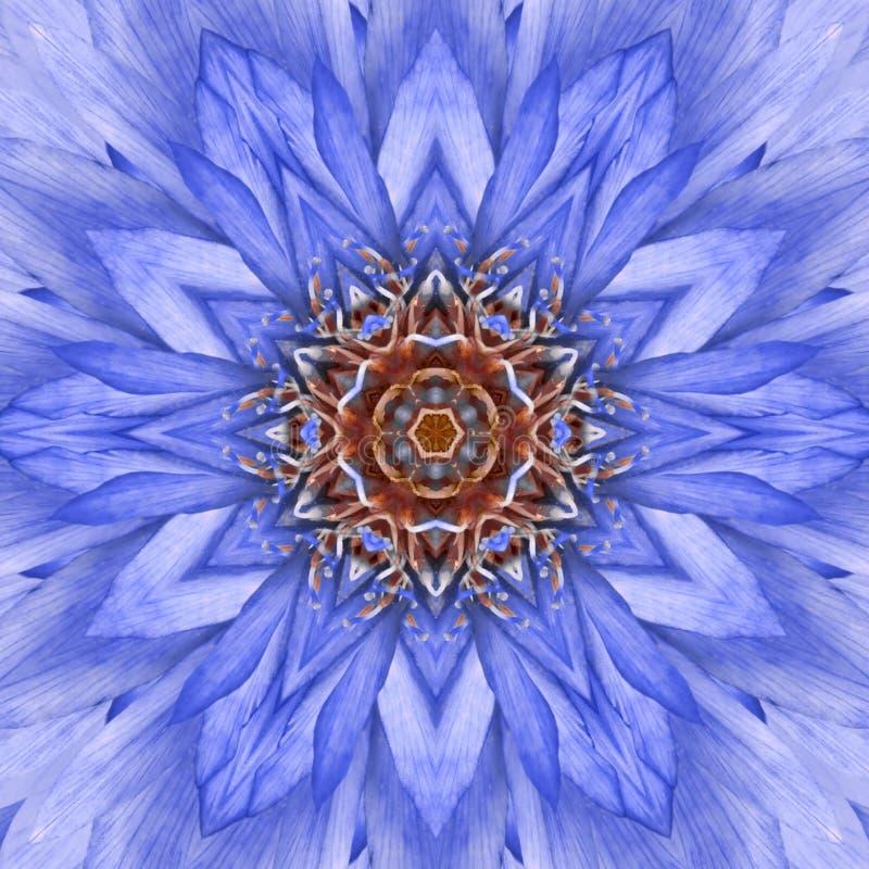 Projeto concêntrico azul de Mandala Kaleidoscopic do centro da flor fotos de stock royalty free