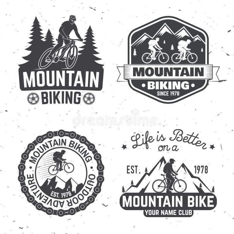 Projeto da tipografia do vintage com carro e reboque, Mountain bike e silhueta da montanha ilustração stock