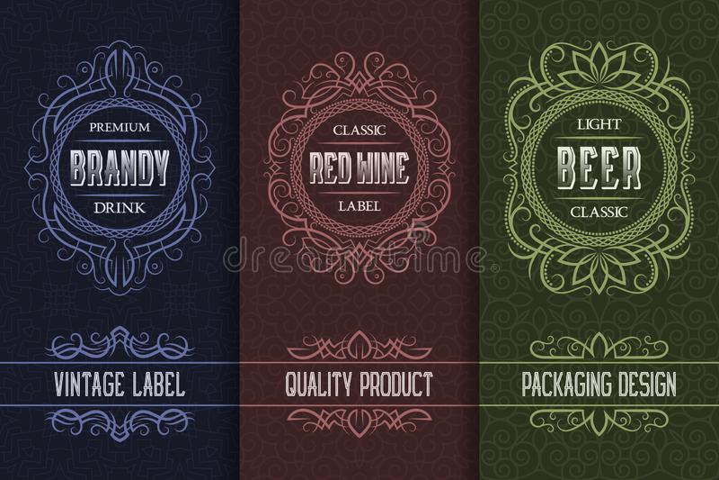 Projeto de empacotamento do vintage ajustado com etiquetas da bebida do álcool da aguardente, vinho, cerveja ilustração stock