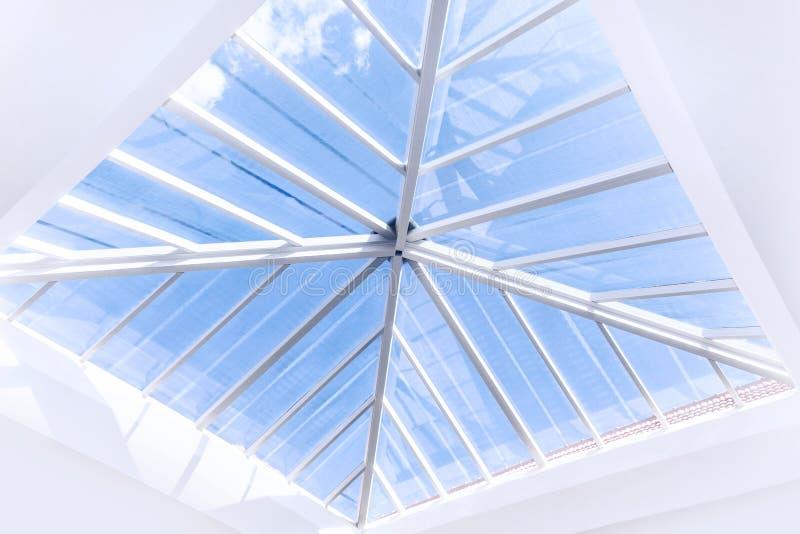 Projeto de vidro do telhado fotos de stock