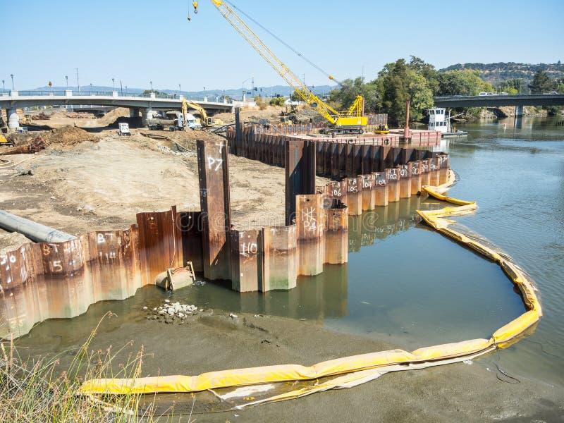 Projeto do controlo de cheias do rio de Napa foto de stock