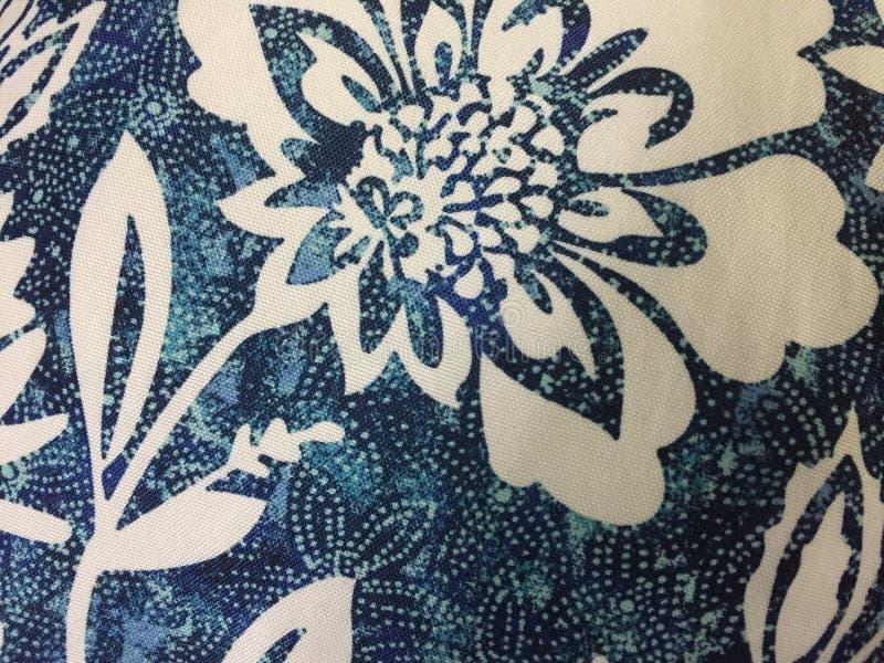 Projeto floral azul e branco abstrato da tela fotografia de stock royalty free
